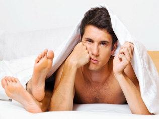 silpna rytinė erekcija kaip gauti pasitenkinimą jei jo varpa maža
